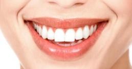 """Защо болестите по венците се наричат """"тихият убиец"""" и как да се лекуват естествено"""