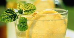 Напитка за алкално равновесие, възпаление и чиста кожа (с рецепта)